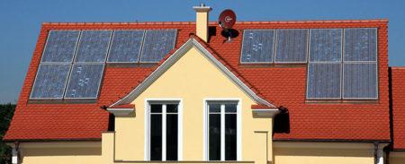 Solarpanele auf Dach